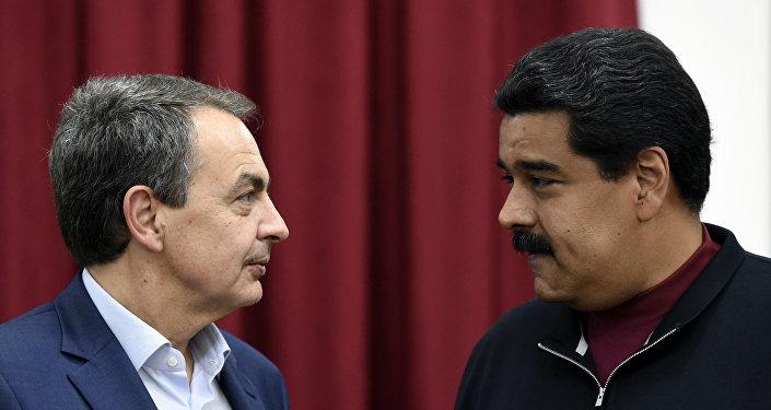 Expresidente del Gobierno de España, José Luis Rodríguez Zapatero y presidente de Venezuela, Nicolás Maduro (archivo)