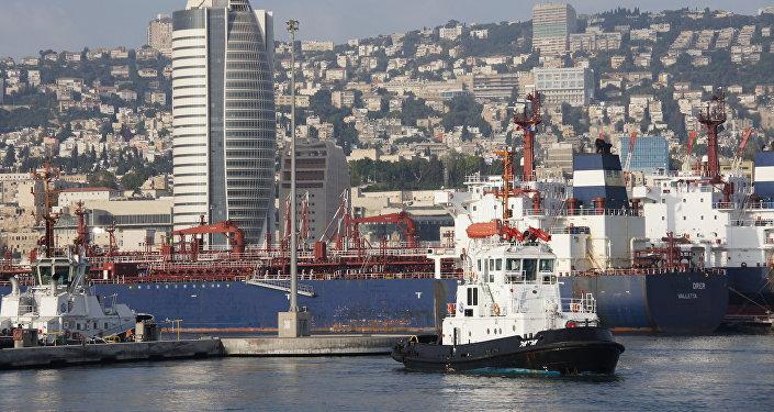 Puerto marítimo en Chipre