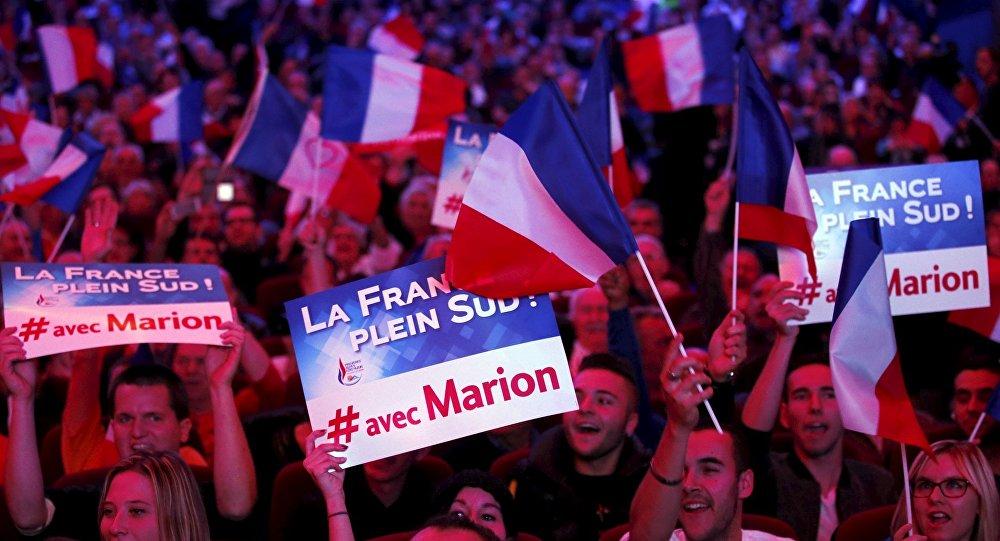 Marine Le Pen se reúne con Vladimir Putin en Rusia