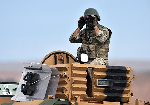 Soldado turco en la frontera de Turquía con Siria (archivo)