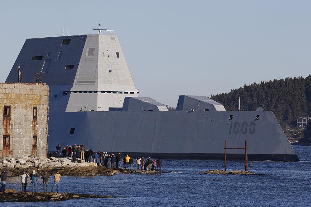 Pruebas del ultramoderno destructor USS Zumwalt