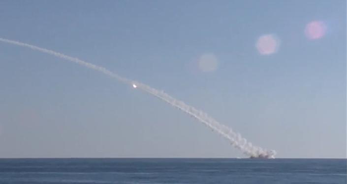 Rusia ataca a Daesh con misiles Kalibr lanzados desde submarino