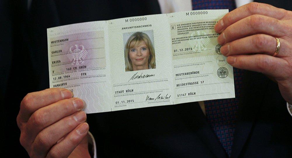 Alemania presenta el carnet de refugiado