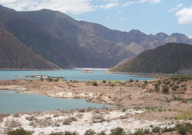 Dique Potrerillos de la provincia de Mendoza
