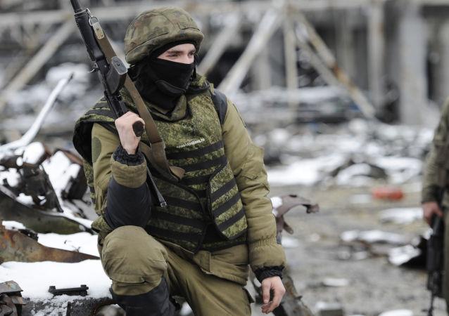 Milicianos del este de Ucrania