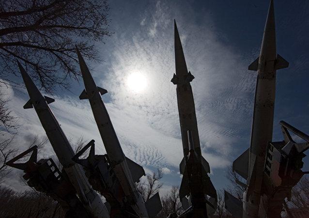 Sistema de misiles de defensa antiaérea S-125