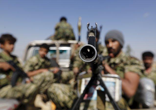 Rebeldes hutíes en Saná, capital yemení (archivo)