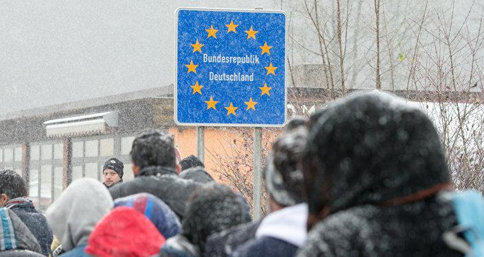 Refugiados en frontera entre Austria y Alemania (archivo)