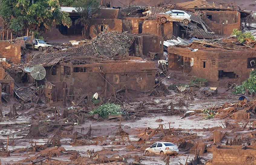 Consecuencias de la ruptura del dique con residuos en el estado Minas Gerais en Brasil