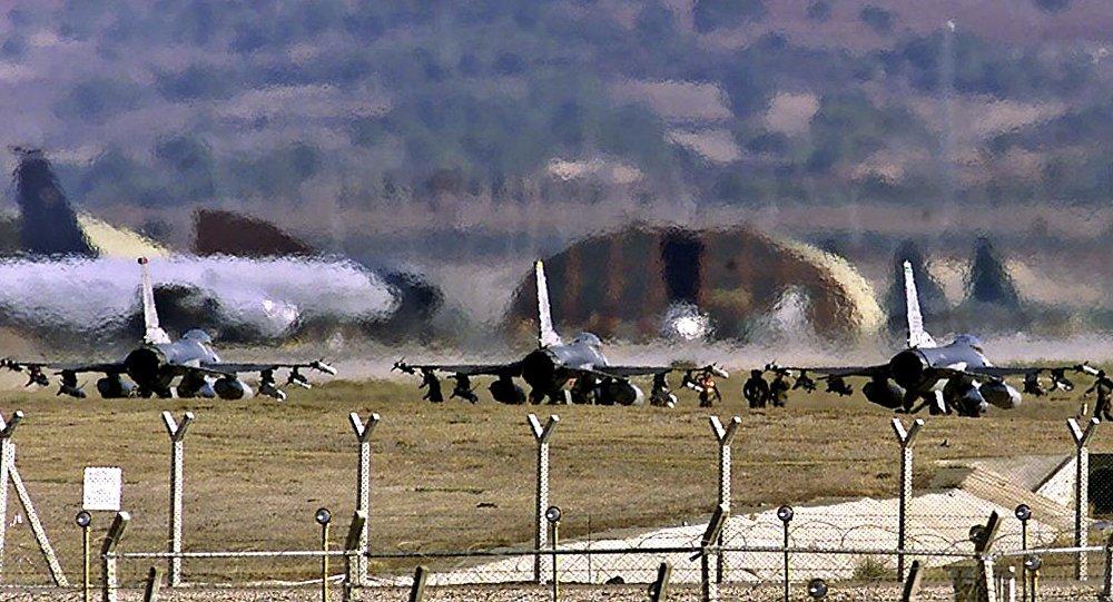 Cazas F-16 de EEUU en la base aérea de Incirlik