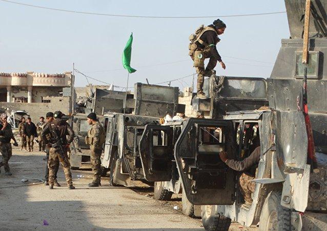 Militares iraquíes se preparan para atacar los terroristas de Daesh en el centro de Ramadi
