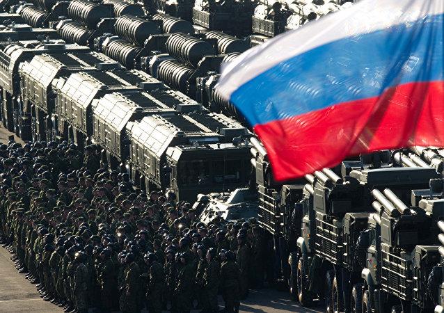 Los ensayos del desfile militar con el motivo del Día de la Victoria en la Gran Guerra Patria