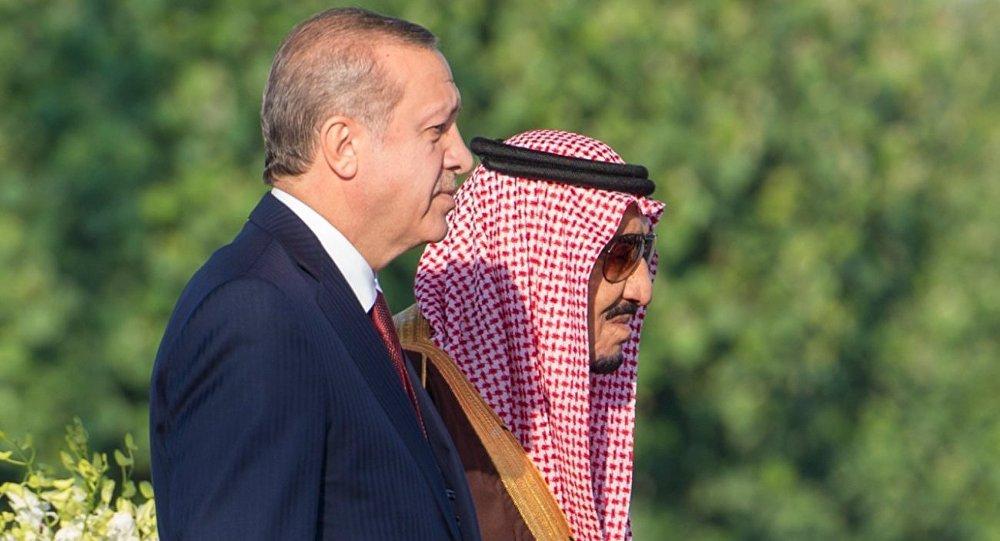 Presidente de Turquía, Recep Tayyip Erdogan, y rey de Arabia Saudí, Salmán bin Abdulaziz