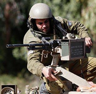 Militar israelí en la frontera de Israel con el Líbano
