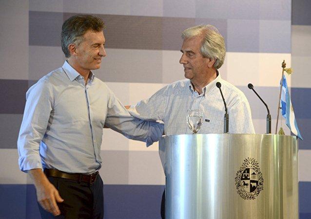 Presidente de Argentina, Mauricio Macri, y presidente de Uruguay, Tabaré Vázquez