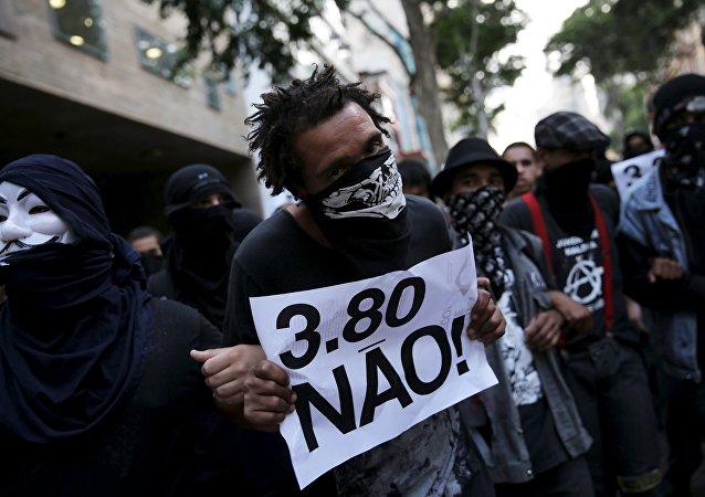 Protesta en Sao Paulo contra el precio del transporte