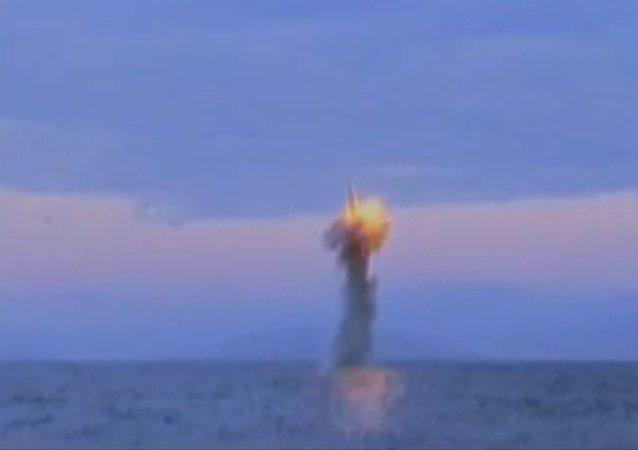 Screenshot del vídeo del lanzamiento de un misil balístico en Corea del Norte