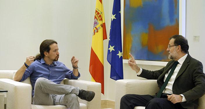 El secretario general de Podemos, Pablo Iglesias, y el presidente del Gobierno, Mariano Rajoy