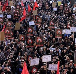 Manifestantes protestan en Irán por la ejecución del misionero chií Nimr Baqir al Nimr en Arabia Saudí