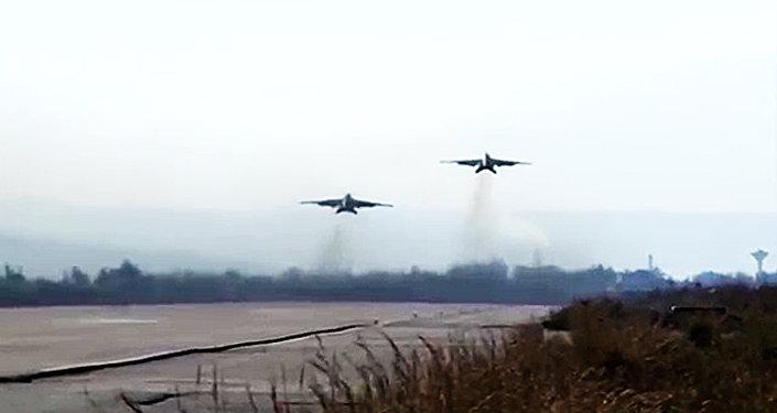 Los bombarderos Su-25 de la Fuerza Aeroespacial rusa y los cazas MiG-29 de la Fuerza Aérea de la República Árabe Siria