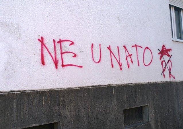 Anti-OTAN graffiti en Montenegro