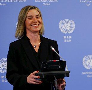 Alta representante para Asuntos Exteriores de la UE, Federica Mogherini, y ministro de Exteriores de Irán, Javad Zari