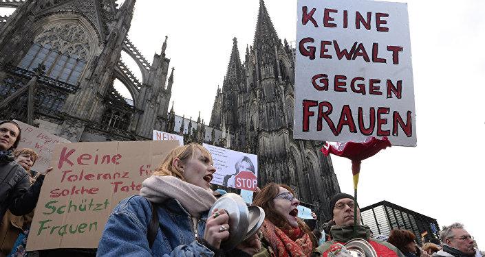 Manifestación en Colonia tras las violaciones sexuales a mujeres alemanas en la noche de Año Nuevo