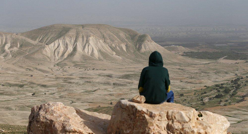 Un hombre en el Valle del Jordán