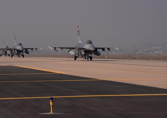 Cazas F-16 estadounidenses (archivo)