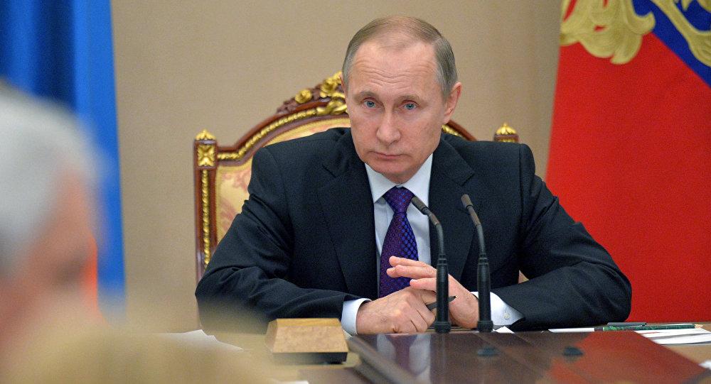 El presidente de Rusia Vladímir Putin durantee una reunión con los miembros del gobierno