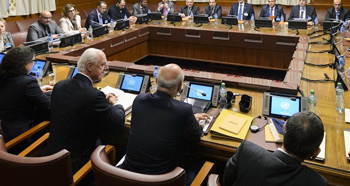 Rusia y EEUU coinciden en que asuntos humanitarios no deben frustrar consultas sirias
