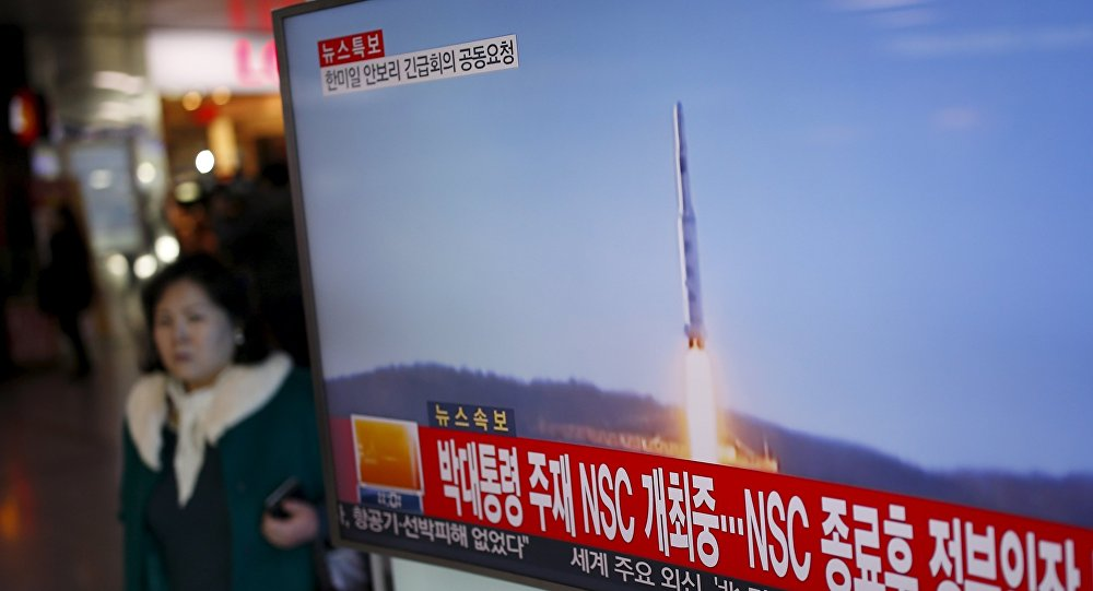 Corea del Norte lanza un misil (archivo)