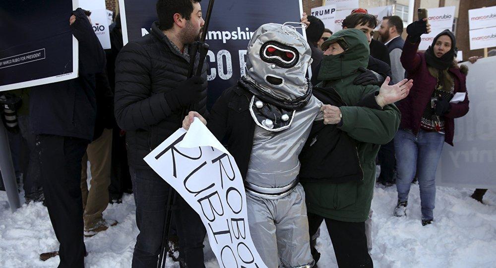 Los robots de Rubio protestan en las primarias de New Hampshire