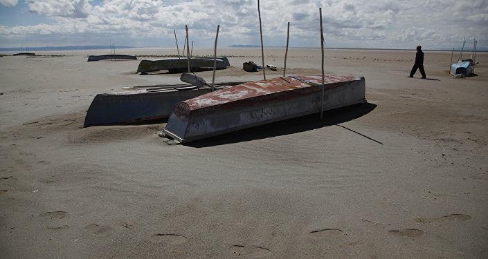 El desecado lago Poopó, Bolivia