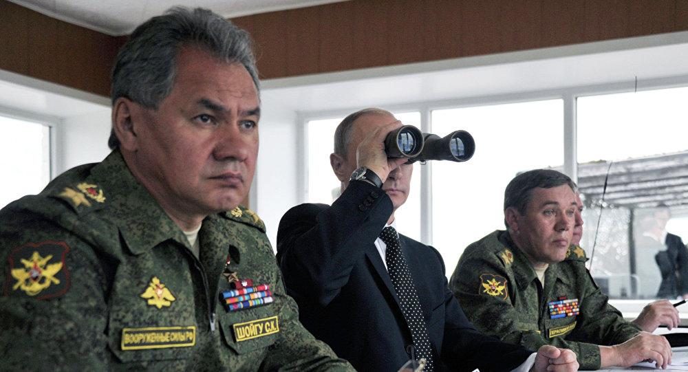 El presidente de Rusia, Vladímir Putin, y el ministro de Defensa de Rusia, Serguéi Shoigú
