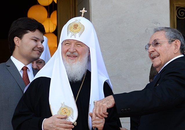 Patriarca Kiril y Raúl Castro en La Habana