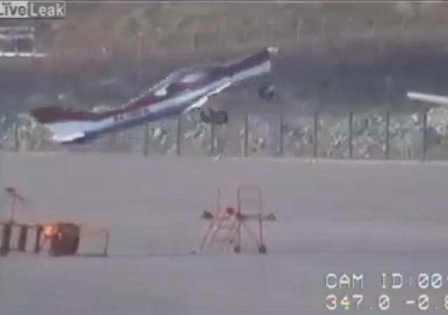Aviones ligeros no requieren pilotos para despegar