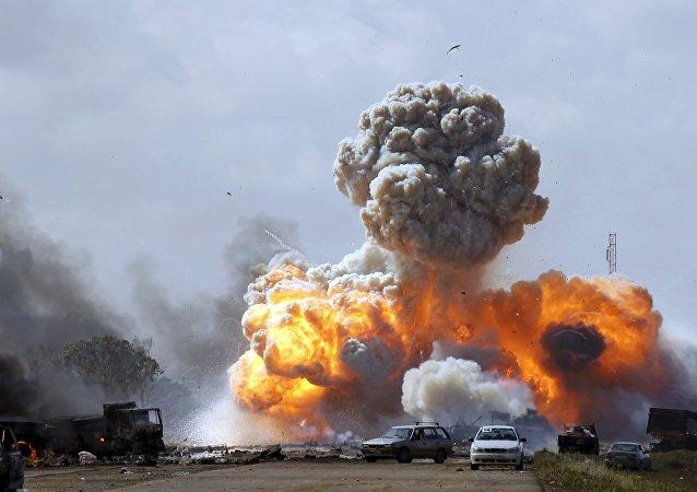 Bombardeos en Libia  (Archivo)