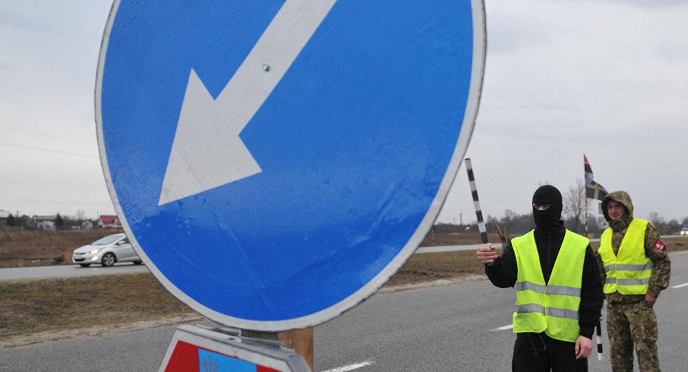 Ucrania establece rutas de tránsito para los camiones rusos