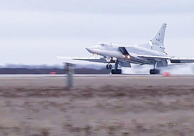 El aterrizaje del bombardero ruso Tu-22M3