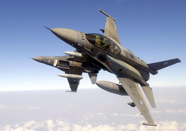 F-16 (archivo)