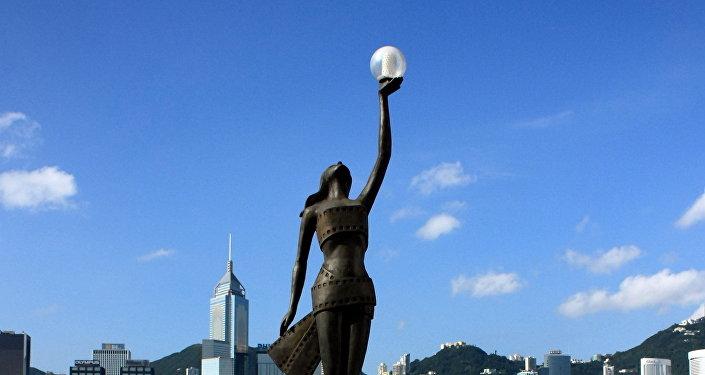 Estatua de los Premios de Cine de Hong Kong en la Avenida de las Estrellas