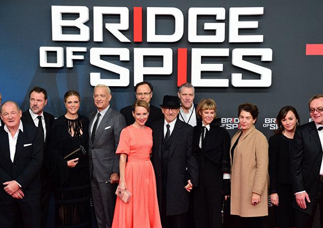 El equipo de la película Puente de espías en Berlín