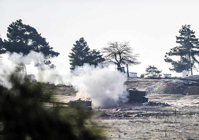 Los tanques turcos cerca de la frontera con Siria (archivo)