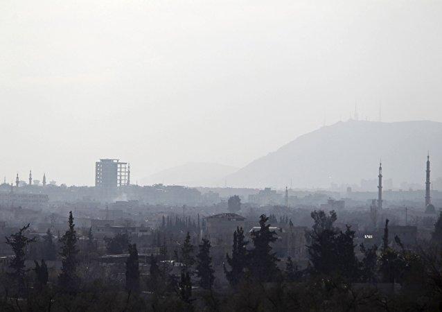 Una vista en la ciudad de Douma en los suburbios de Damasco