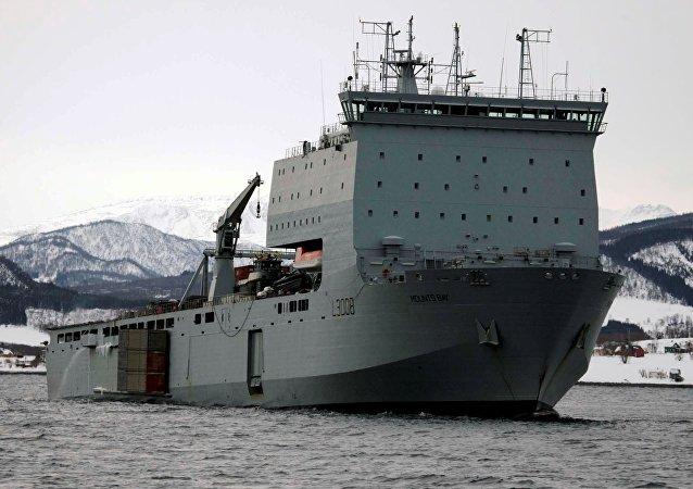 Mounts Bay, el navío de desembarque anfibio de la flota auxiliar