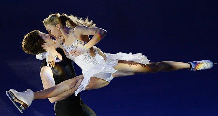 Alexandra Stepánova e Iván Bukin, patinadores artísticos rusos