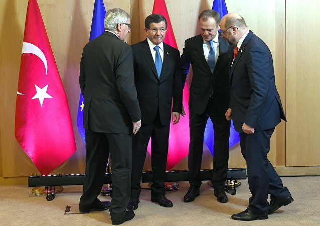 Ahmet Davutoglu, Jean-Claude Juncker, Donald Tusk y Martin Schulz