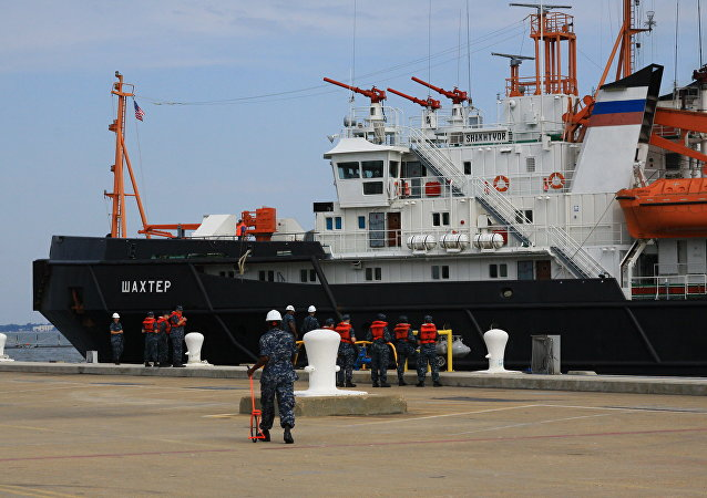 Un barco de salvamento de la Flota rusa del Mar Negro