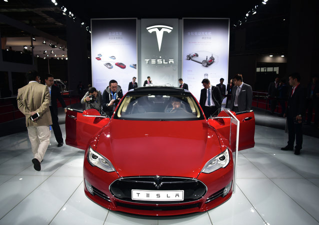 Un automóvil eléctrico Tesla